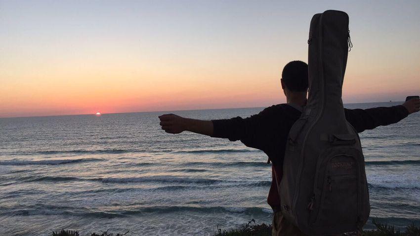 מאוהבת בים ובתמונה וגם קצת ברמבו רמבו