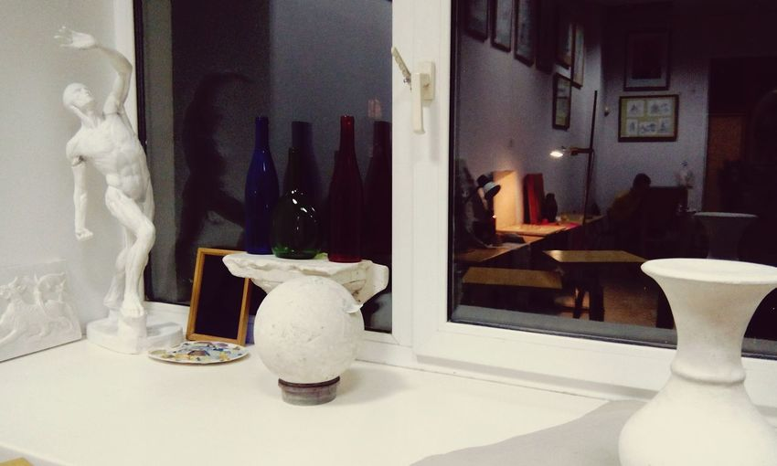 Vase Home Interior Luxury Indoors  Home Showcase Interior Architecture Elégance Upper Class Residential Building Domestic Room Flower No People Built Structure Marble Modern Home Improvement Day