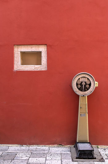 Scale  StillLifePhotography Building Exterior Built Structure Geometric Shape Lessismore Metal No People Old Outdoors Red Shape Still Life Streetphotography Streetshot Urban Wall - Building Feature