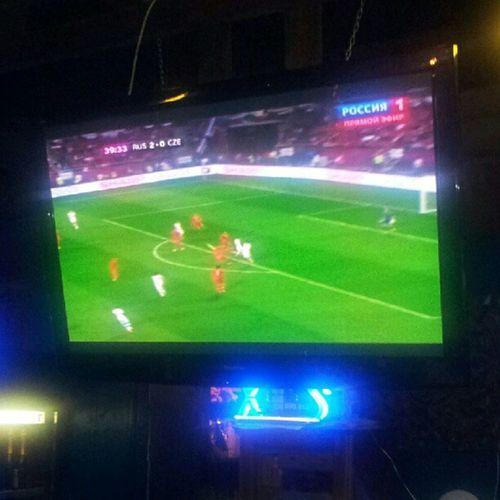 Россия-Чехия 2:0, смотрим на вечеринке @sportsru. Уверенно, как в 1986-м с Венгрией.