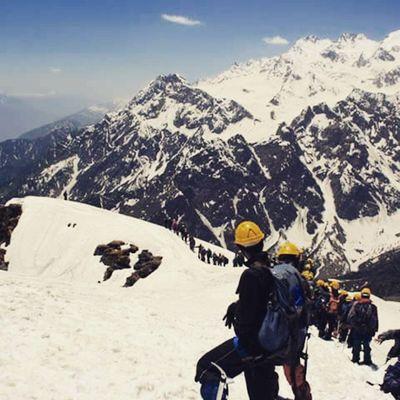 Summit of Balachandra Dhundi i Solang Manali Traveldiaries TravelTales