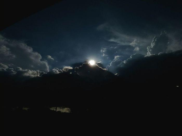 Sun Coming Dowm Por Do Sol Nuvem