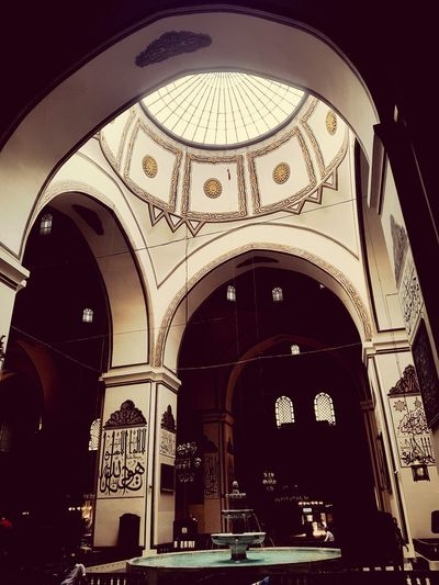 Bursa'da Zaman #detail #architecture Form #Game Bursa Ulu Cami şadırvan Sky Clock Face City Arch Architecture Built Structure Mosque The Architect - 2018 EyeEm Awards