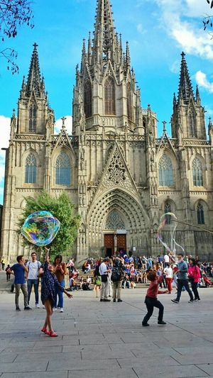 Bubbles soap in the Cathedral Bubbles Playing Kids Being Kids Kids Playing Kids Having Fun Kids At Play Cathedral Cathedrals  Barcelona City Having Fun Soap Bubbles Feel The Journey Original Experiences in Barcelona The Magic Mission Art Is Everywhere