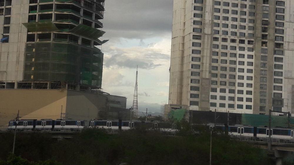 Movingshot Urbanscape Buildings Construction Site Quezoncity