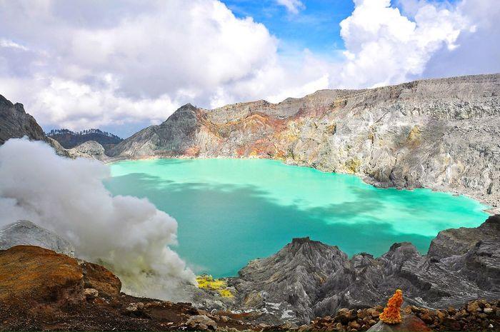 Kawah Ijen in Indonesia Adventure Exploring Nature Landscape Volcanoes