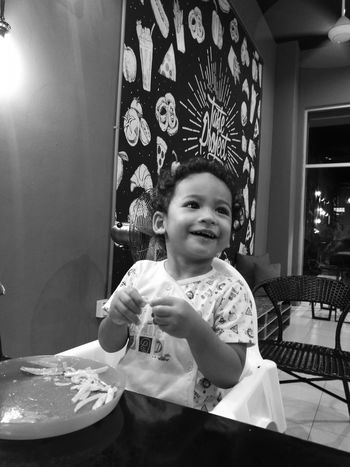 Children's smile melts the hearts of those who have faith in love. Monochrome Monochrome Photography Huaweimobilemy Huaweiphotography HuaweiP9 TasteProject Karyarepublic's son. Foodphotography Pasta Semabok, Melaka Melaka Historical City Blacknwhite Taste Project Café
