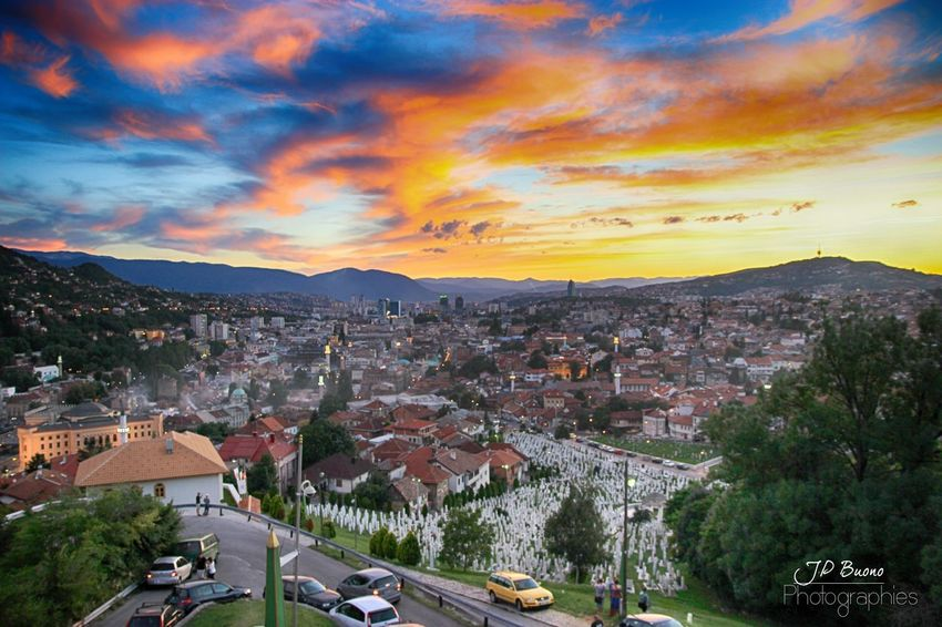 Bosnien-Herzegowina Tree High Angle View Tourism Outdoors Mountain Sunset Landscape Nature Travel Destinations Panoramic Sky No People Beauty In Nature Day City Politics And Government