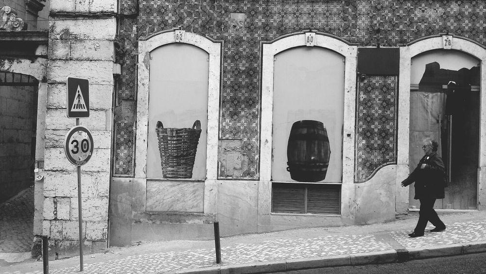 Blac&white  Lisbon