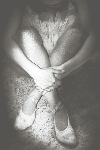 Ballet Time  Balletclass Ballet Point Shoes Ballet Classic Balletshoes Ballet ❤ Ballet Shoes Ballet Class Ballet Dancer Dancer Ballet Dancer Pose Dance Photography Dance Dancer Shoes Dancer ♥♥ DANCERS ♥ Dancerslife Dancers Dancer Shoe Black & White Black And White Photography Black And White Collection  Black And White Blackandwhite