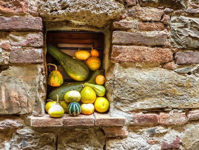 Healthy Eating Fruit Food Wall - Building Feature No People Wellbeing Stone Wall Apple - Fruit Large Group Of Objects Freshness Choice Brick Wall Apple Pears Brick