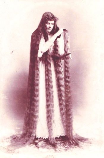 Long Hair OH MY GOD!!!!! Amazing Beauty Oldphoto Oldpicture
