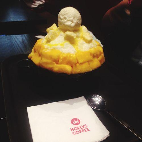 Umm... So good! 😋😍 Bingsu Sweet Mango Enjoying Life Ice