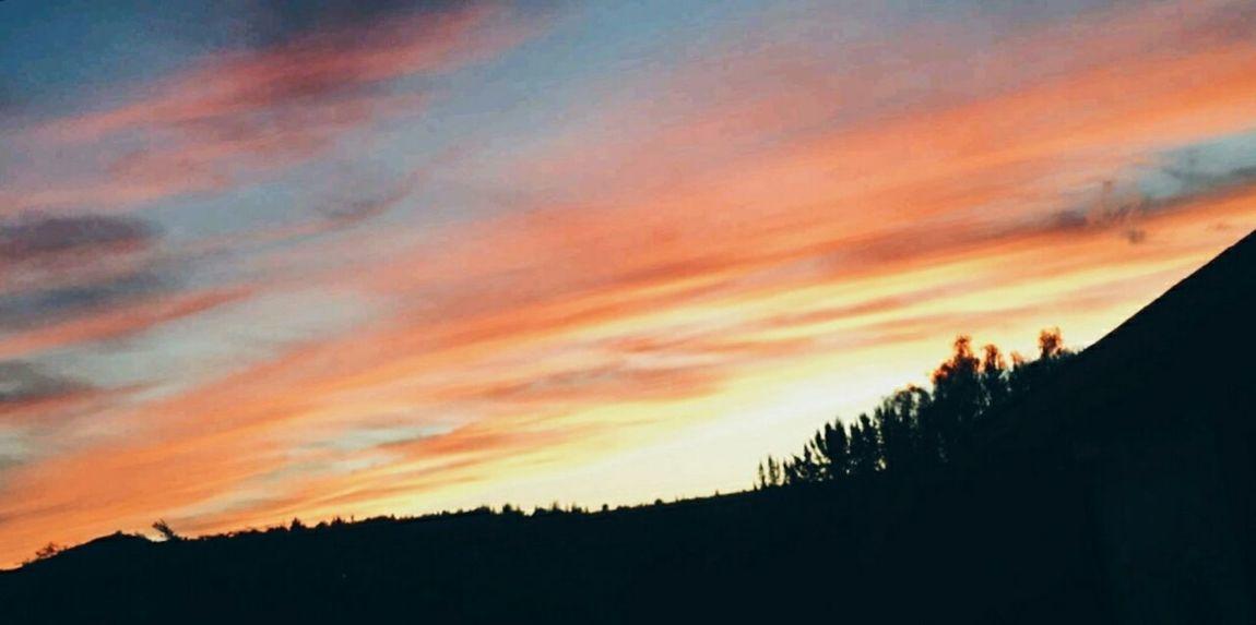 Hello World EyeEm Best Shots Hi! Beautiful Day Huawei Sky And Clouds Sky_collection Skyporn Skylove Orange Color Orange Sky Orange Relaxing Clouds And Sky First Eyeem Photo Enjoying Life Skystalking