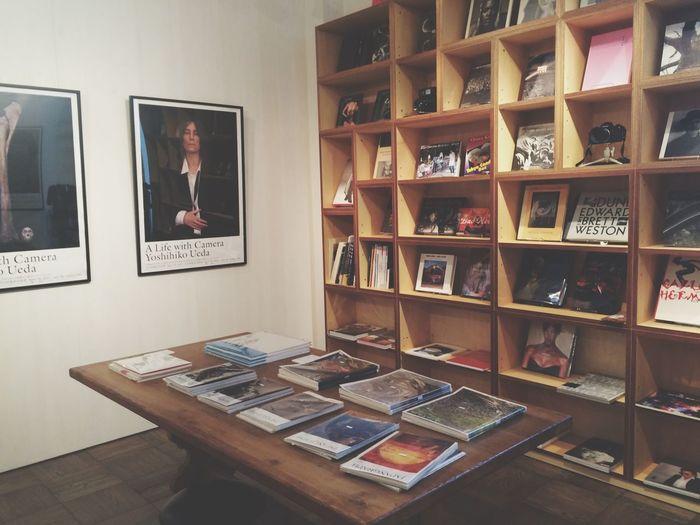 すんごい雨も止み、夙川~苦楽園を散歩♪ 「写真家たちの本」展へ。 いつも、感性を磨いてくれる場所。 何時間でもいれます( ¨̮ ) オーナーさんも面白くて素敵です( ¨̮ ) Enjoying Life