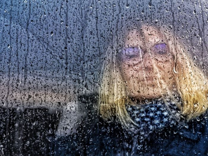 Jour de pluie. Blonde Girl Woman Portrait Mobilephotography Smartphonephotography women around the world Water Backgrounds Full Frame Frosted Glass Window Drop Wet Looking Through Window Glass - Material Close-up Water Drop Capture Tomorrow