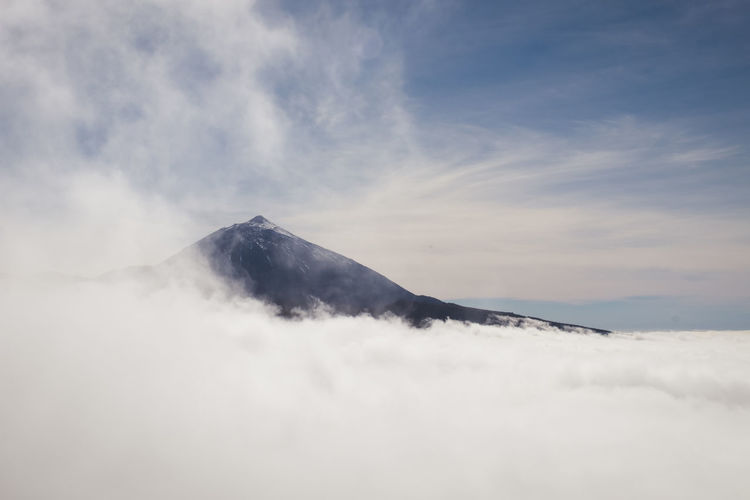 El Teide Cloud - Sky Cloud Clouds And Sky Clouds Above Above The Clouds Peak Mountain Mountain Peak Teide Teide National Park Teide Volcano Volcano Volcán Tenerife Cloudy Highest Mountain UnderSea Humpback Whale Sea Life Swimming Sea Underwater Volcanic Landscape Rocky Mountains