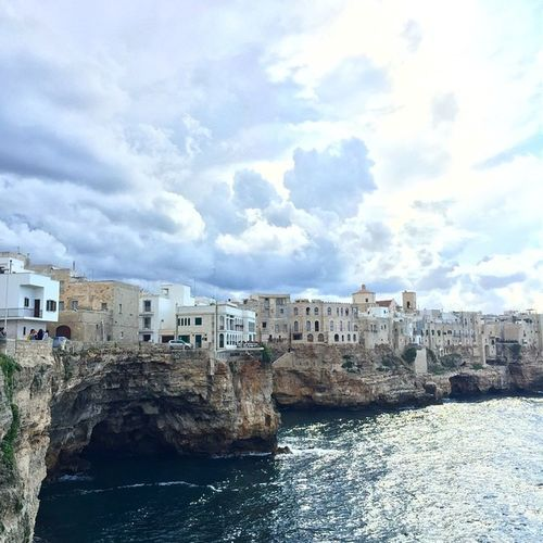 Stunning Polignano! 💙🚣🏻☀️Lovepuglia Polignano Beauty Happiness Puglia Sunrise Seaside Sea Skysultans Architecture Interior Interiordesign Ig_tuscany Sea Mare Beautifulitaly Beautyiseverywhere Beauty Travelling Travelshare Travelblog Travels Travelblogger Travelpic Travelpicture travelitaly travel traveltheworld traveladdicted traveldiary