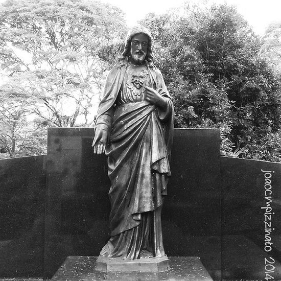 Art in the cemetery. Art UrbanART Cemetery Faith blackandwhite city zonasul saopaulo brasil photography