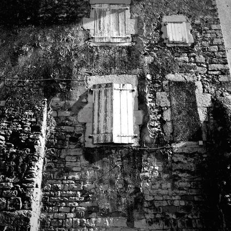 IPhoneography Building Exterior Built Structure Day Outdoors No People Monochrome Blackandwhite Black And White Black & White Blackandwhite Photography Wall Window Sunny Light And Shadow Streetphotography Architecture