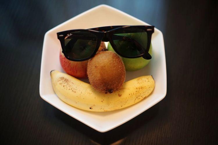Face Fruit Repicture Food 顏 Sunglasses Comfort Food Eating Black Background Candy Gourmet Dessert Fruit Snack Ice Cream Tart - Dessert