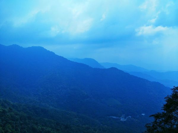 A time to remember .... A moment of serenity Beautiful Nature Mountains Calm Meditation Morning Fog EyeEm Nature Lover Wayanad India