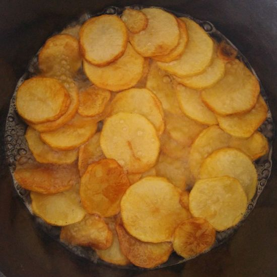 Chips/Crisps Food And Drink Indoors  Salty Food Homemade Snack Time Mom's Cooking Chips Crisps Healthy Snack Cast Iron Cooking Food Close-up No People Freshness Ready-to-eat Day Food Stories