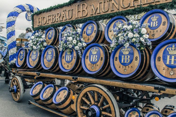 A day at Oktoberfest Bierfest Oktoberfest Oktoberfest 2017 Wiesn Wiesn 2017 Bierfass Bierwagen Trandition
