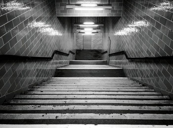 Day 251 - Coffee Table Berlin Blackandwhite Public Transportation Gesundbrunnen Empty Places 365project 365florianmski Day251