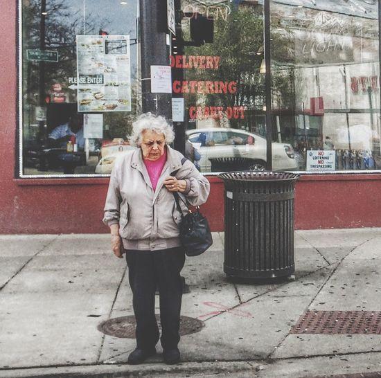Street Photography Light And Shadow City Street Corner People Watching Street Life Streetphotography Streetphoto_color Peoplephotography IPhoneography