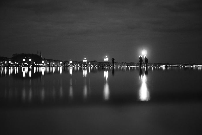 Miroir d'eau Sky Night Water Reflection Outdoors Architecture City View  Bordeaux Streetphoto_bw City Life Illuminated Blackandwhite Streetphotography Bnw_life Monochrome People And Places City France Shadow Mirror Reflection