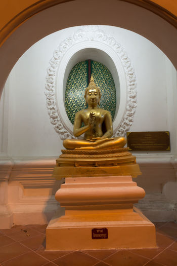 Art And Craft Built Structure Day Gold Colored Human Representation Idol Indoors  Low Angle View Male Likeness No People Place Of Worship Religion Sculpture Spirituality Statue Thailand Nakhon Pathom Travel Old Buddha Statue Site Down Buddha Buddha Status Sitedown Large Group Of People Old Buddha Buddha Close-up