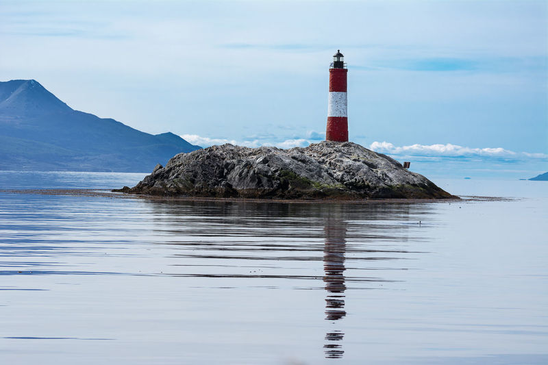 Lighthouse Les eclaireurs in Beagle Channel near Ushuaia Argentina Beacon Beagle Channel Land Of Fire Landmark Les Eclaireurs Les Eclaireurs Lighthouse Lighthouse Patagonia Rock Sea Tierra Del Fuego Ushuaïa