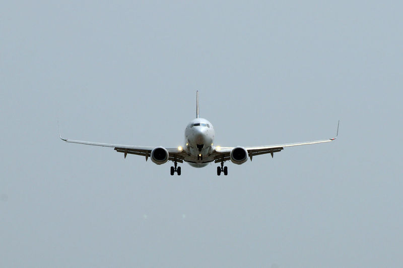 FRONT FACE AIRPLANE LANDING Air Vehicle Airplane Day Flying Mode Of Transport Nature No People Outdoors Transportation