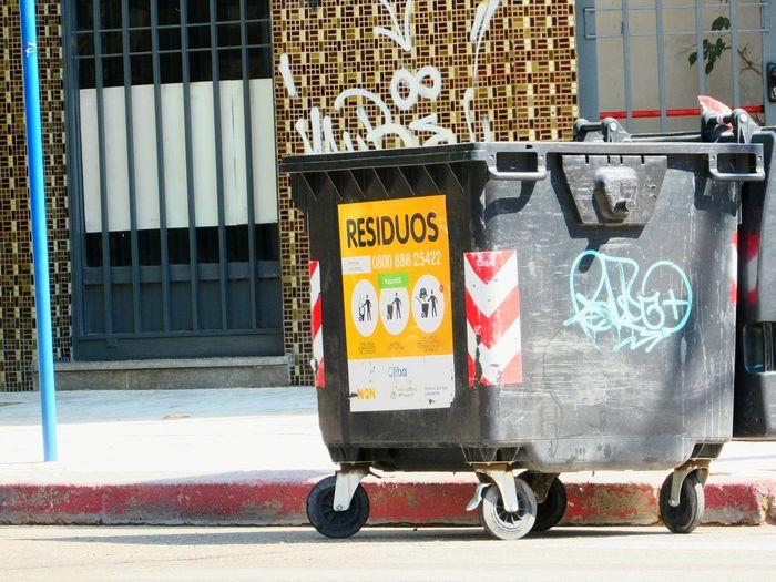 Urbanologia Travel Stationary Outdoors No People Text Architecture Day Graffiti Neuquen Ciudad Urban Photography Urbanphotography Lovelovelove Vacaciones🌴 Disfrutando De La Vida Happy Miles Away