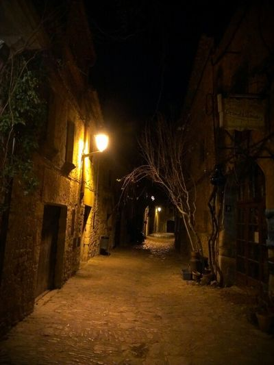 Walking Around Streetphotography Catalunya Emporda Peratallada