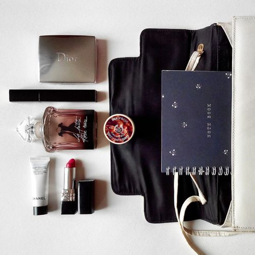 What's in my bag. Whatsinmybag Whatsinmypurse Fashion Stylecouple