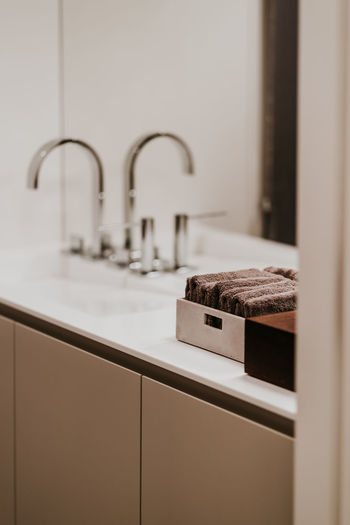 Indoors  Domestic Room Home Sink No People Selective Focus Household Equipment Faucet Food And Drink Home Interior Domestic Kitchen Kitchen Hygiene Furniture Focus On Foreground Still Life Food Cabinet Luxury Home Showcase Interior Tray