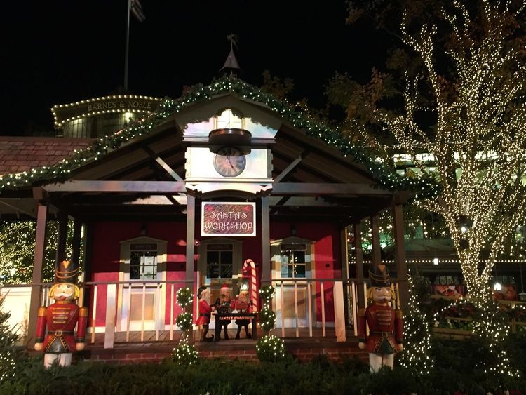 New Year Around The World Glendale Losangeles NewYear Happy New Year Enjoying Life Everyday Joy California SoCal Santa