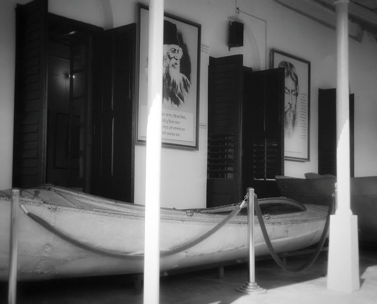 Showcase: January Better Look Twice Getting Creative Bangladesh Traveling Check This Out Hello World Taking Photos Hanging Out EyeEm Blackandwhite Black And White Untold Stories Rabindranathtagore Art Old-fashioned Old Is Gold Old Architecture Pastel Power