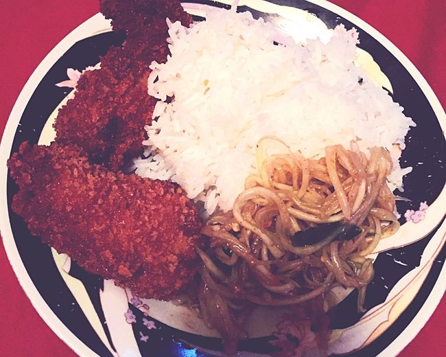 Delicious Friedchickenwings Papayasalad Whiterice Dinnertime Family