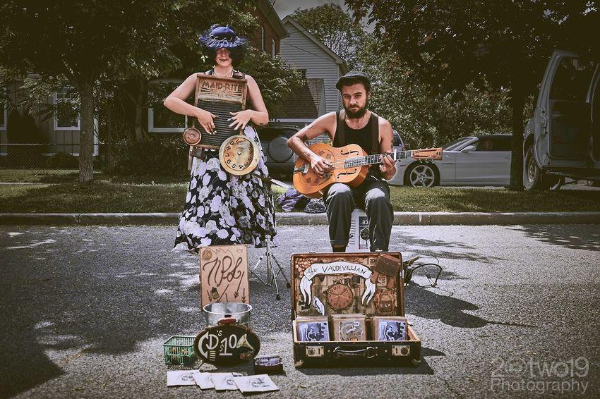 The VaudeVillain at Dundas Farmers' Market Guitar Musician EventPhotography Farmers Market Band