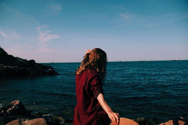 Come talk to me Sea Water Sky Real People Hair Horizon Women Outdoors Land The Traveler - 2018 EyeEm Awards