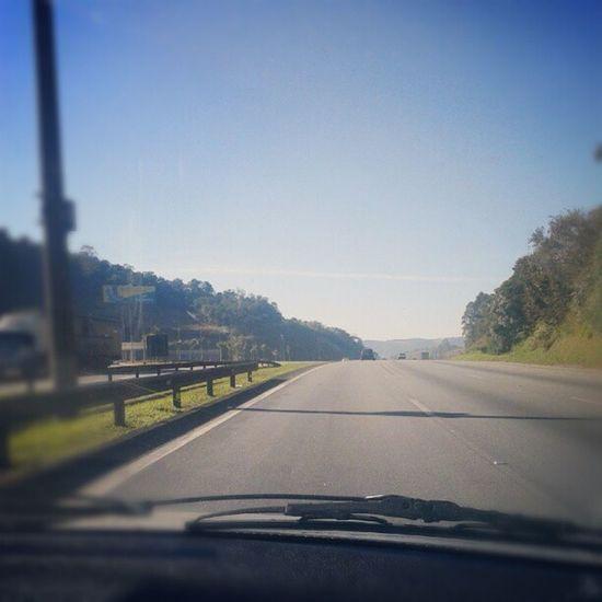 Pé na estrada... Carro Estrada Caminho Viagem