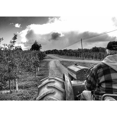 Tmarvlous Bwtmarvlous Blackandwhite Tractor farm farmwork johndeere