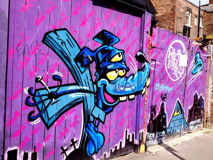 Down the back streets Graffiti Streetphotography Street Art Street Photography Artist Unknown Colourful Backstreets & Alleyways Backstreet