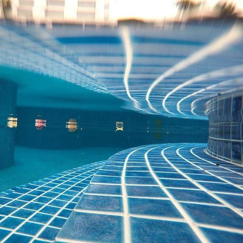 Just Under Pool Underwater Swimming pool Pool steps