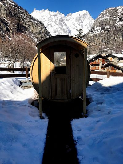 Mountain outdoor sauna New Ideas Feeling Good No People EyeEm Selects Travel Destinations Rural Landscape Wintertime Snow ❄ Hot Sauna Wellbeing Snow Outdoor Sauna Mountain Winter Cold Temperature Snow Mountain Weather Frozen Nature Mountain Range Ice Beauty In Nature Landscape Field Extreme Weather Tranquility Frost Day Outdoors
