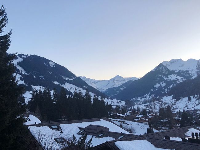 Just divine Beauty I❤️Gstaad Bolonie Style EyeEmNewHere Getty Images Bolonie Art Bolonie Snow Mountain Winter Cold Temperature House Mountain Range Roof Beauty In Nature Landscape Scenics Outdoors Architecture Building Exterior No People Nature Day Sky Built Structure Shades Of Winter