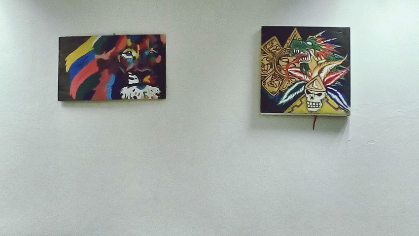 La vida en pinturas....People Indoors  Day Young Adult